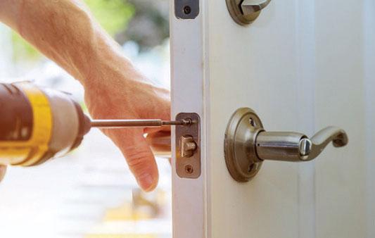 Residential-Locksmith-Lock-Installation